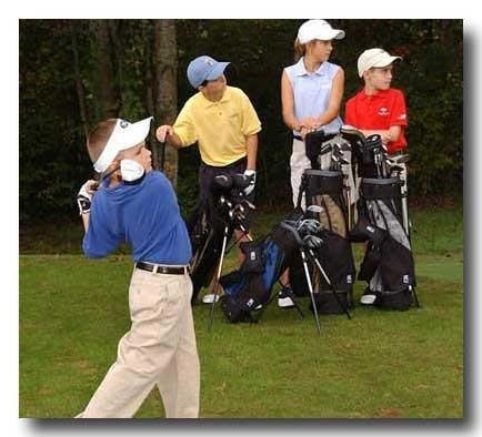 kids_golfing